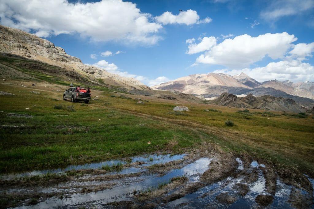 jeep track to karomber lake trek