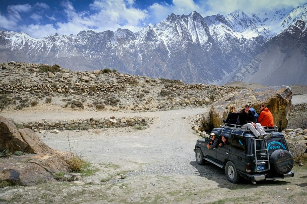 driving in pakistan with a private vehicle